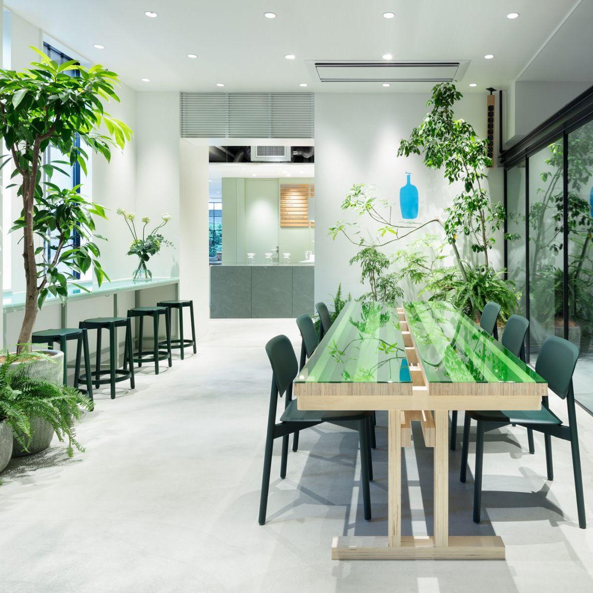 <!--C111 Blue Bottle Coffee Kyoto Kiyamachi Cafe-->